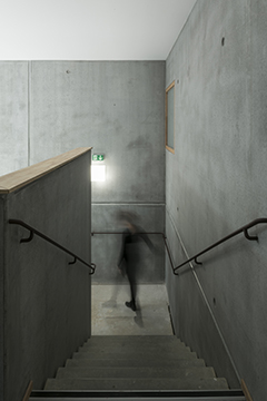 http://www.studiolada.fr/files/gimgs/196_ludmilla-cervenystudioladacodexial042.jpg